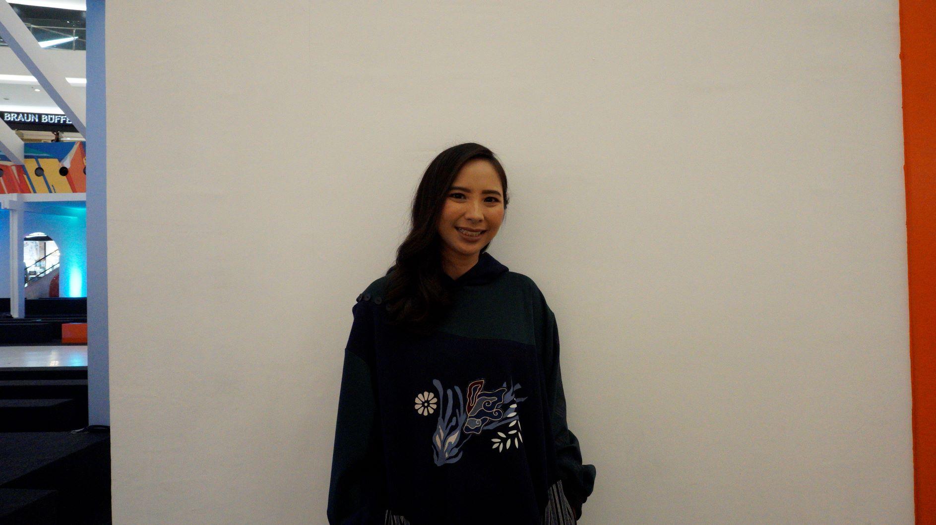 Michelle Tjokrosaputro Berdayakan Pengrajin Batik Klaten Dalam Koleksi Bateeq Arung