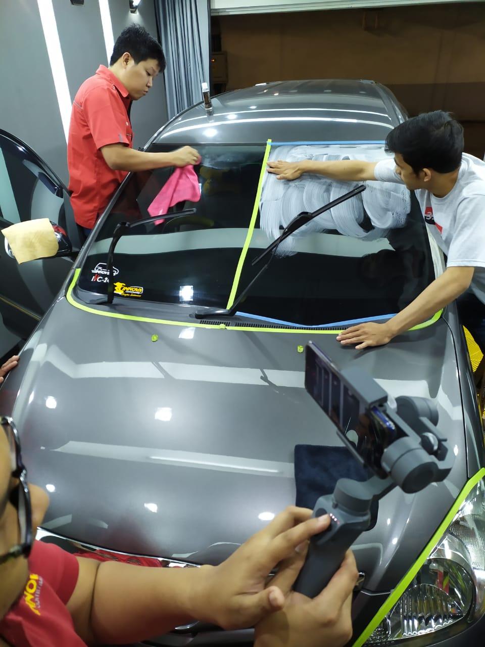Innova Community jilid 2 Berbagi Tips Merawat Kaca Mobil (dok. Ardiyan)
